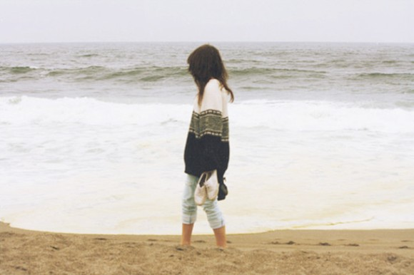 wt8f7y-l-610x610-sweater-cute-tumblr-outfit-indie-hipster